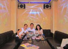 Enjoy a very fun karaoke experience in Tokyo!