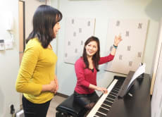 15% OFF Sing Japanese songs on a singing lesson in Tokyo!