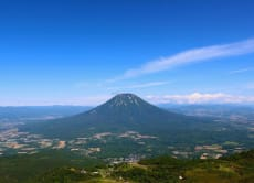 Enjoy Hokkaido's nature by hiking Niseko's mountains