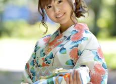 Tour Tokyo in Kimono or Yukata with a Photographer