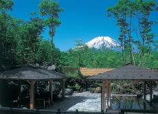 一日游玩富士山麓,体验山中湖露天温泉