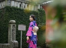 See Nagasaki's historical places in a Kimono photo tour!