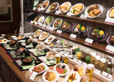 Enjoy a tour in Asakasusa and Make Plastic Food Models
