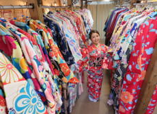 Enjoy a Kimono dress up experience in Kanazawa