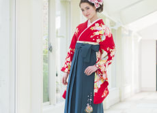 Wear Japanese traditional Hakama trousers in Kyoto!