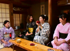 30% OFF Kyoto Fushimi tour with a boat and yukata!