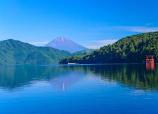 Helicopter transfer from Tokyo to Hakone in 30 minutes