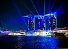 【シンガポールの夜景満喫ツアー】ガーデンズバイザベイ&リバークルーズで光のショー鑑賞(夕食/シンガポールフライヤー付き)