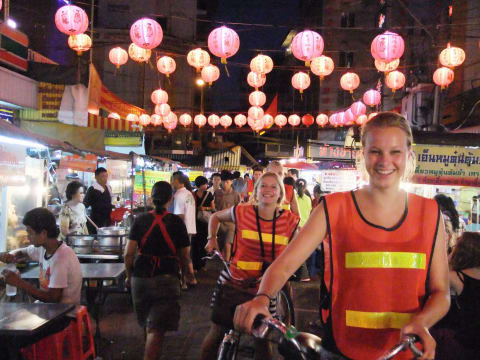 Bangkok by Night (3-hour night bicycle tour)