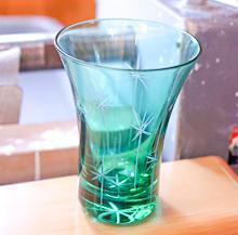 東京「江戶切子」玻璃雕花手作教室。