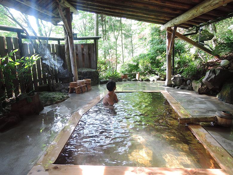 outdoor-onsen