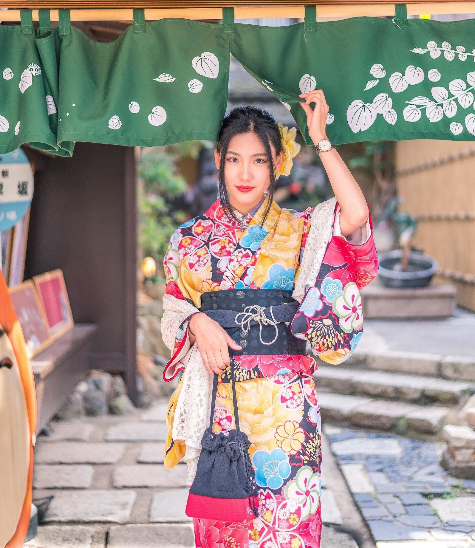 Experience Rental Kimono and Yukata in Kyoto - Voyagin