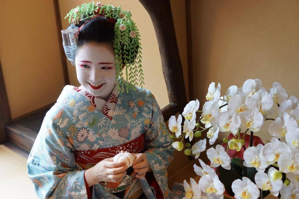 VIP Teahouse Banquet with Geisha in Kamishichiken, Kyoto ...