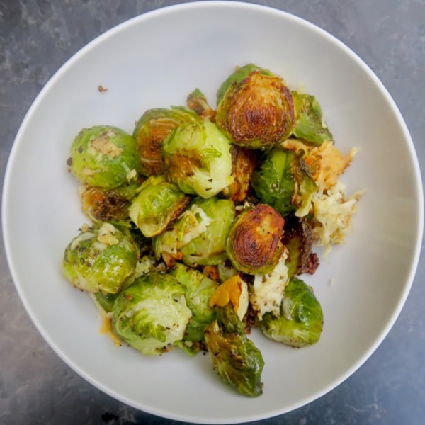 Image ofcrispy brussels sprouts with garlic, pepper & pecorino