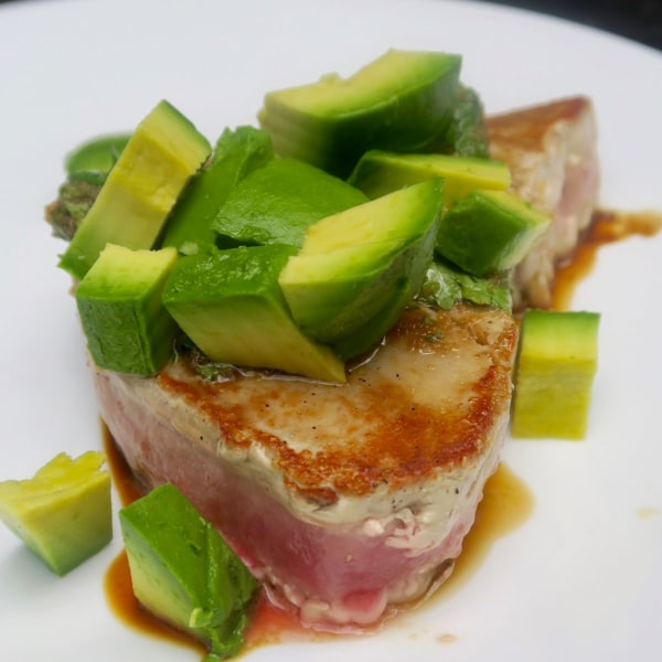 Image ofpan-seared tuna with avocado & cilantro ginger sauce