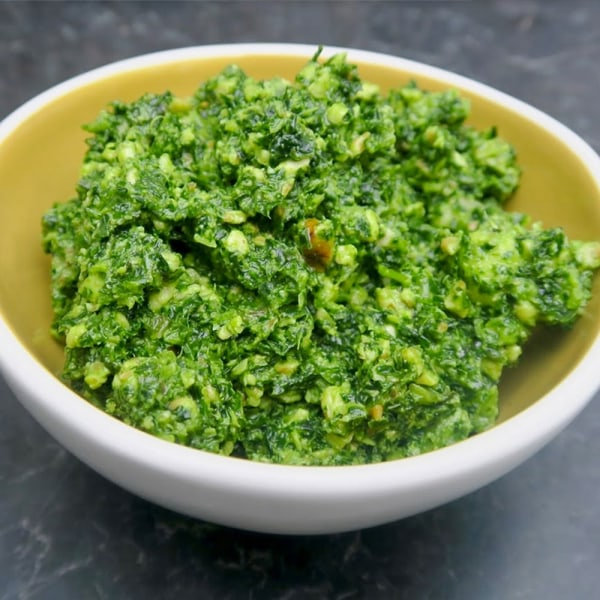 Image ofkale pesto with walnuts