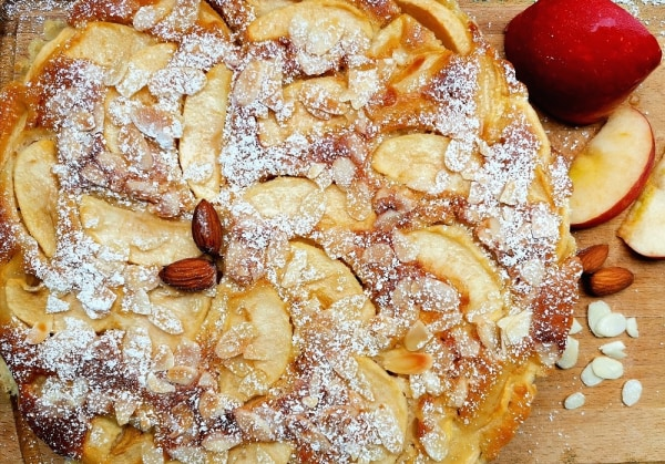 Image of Apple and Almond Cake