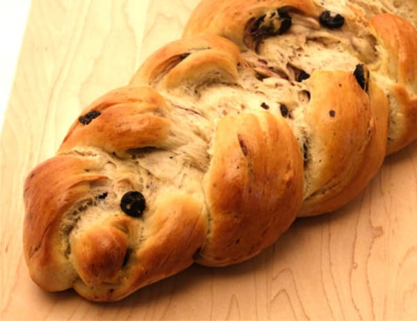 Image of Challah with Organic Dried Blueberries