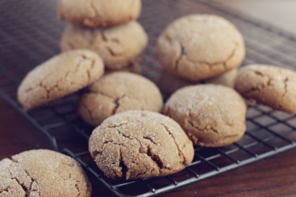 Molasses Cookies with organic clove whole