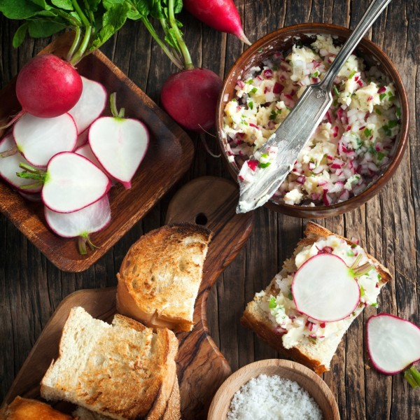 Image of Radishes with Herbed Butter