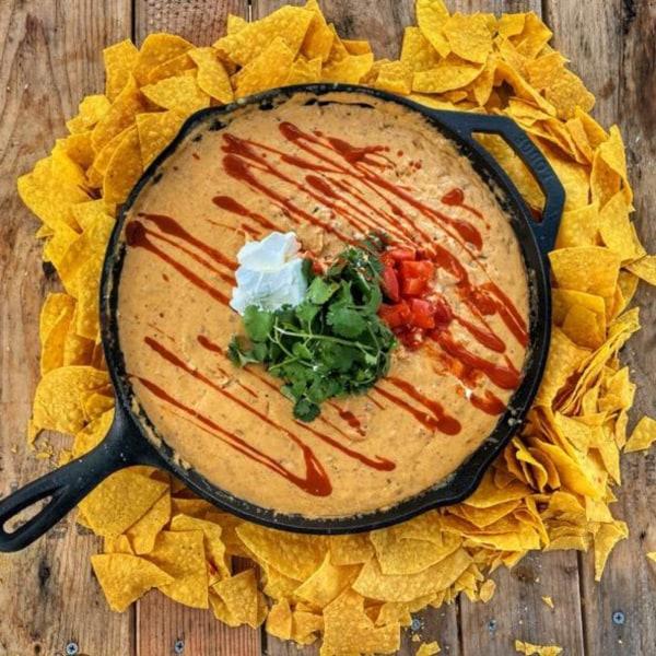 Image of Chef Erics - Queso Con Carne