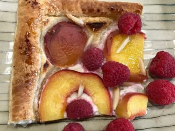 Image ofEasy Peach Slab Pie