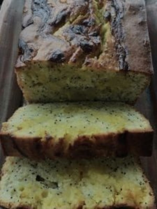 Image ofPoppyseed Bread with Lemon Curd