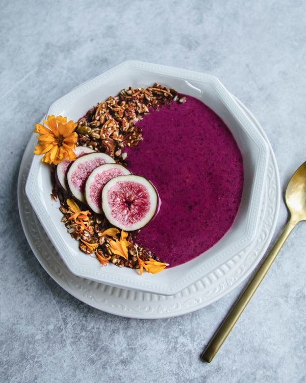 Fig-and-Berry-Smoothie-Bowl-by-Jaharn-Quinn-from-Smor-Kitchen