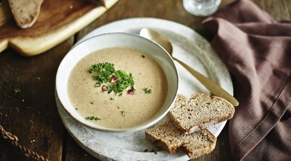 Kartoffel-Steinpilz-Suppe mit Granatapfel Rezept
