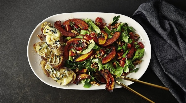 Kürbis Rezepte: Herbstsalat mit Blauschimmelkäse
