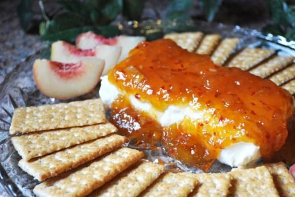 Image ofHot Pepper Peach Preserves with Cream Cheese