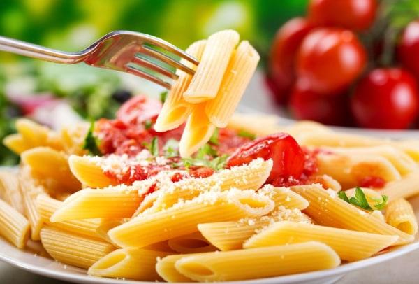 Image ofBasil oil - Fresh tomato pasta