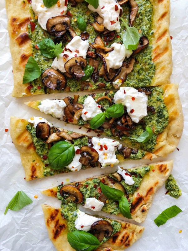 Image ofGrilled Pizza with Pesto, Mushrooms and Garlic Oil