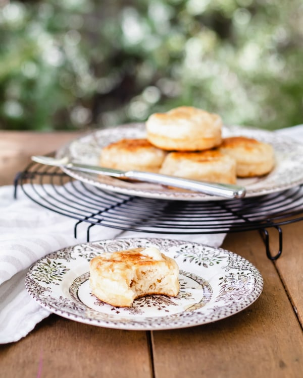 Image of How to make fluffy homemade Sourdough Crumpets
