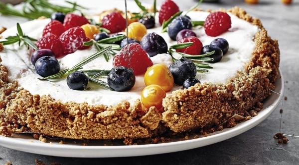 Image of Orangen-Rosmarin-Cheesecake mit Beeren Rezept