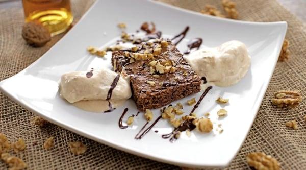 Brownies mit Walnuss-Parfait Rezept
