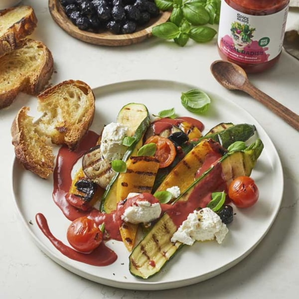 Image ofGegrilltes Gemüse mit Ricotta und Radical Radish Dressing für Gemüse