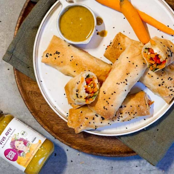 Image ofGemüserollen mit gemischtem Gemüse, Feta und Viva Aviv Sauce