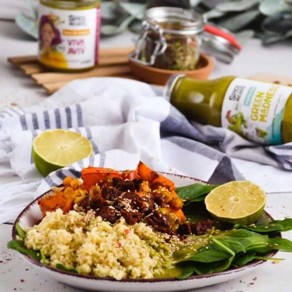 Image ofOfengemüse mit Viva Aviv zu Couscous und einem einfachen Salat mit Green Madness Salatdressing