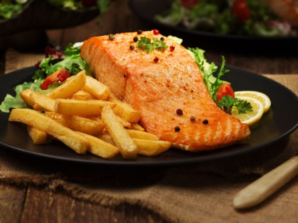 Image of Lachs mit Pommes Frites