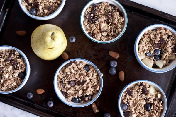 Image ofBlueberry and Pear Crumble with Chocolate and Almond Pulp