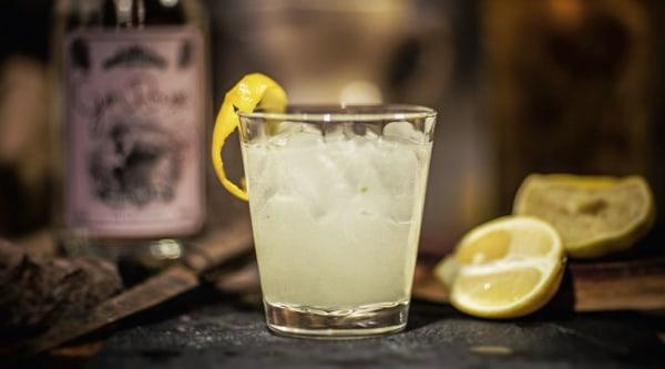 Gin Rouge Fizz Royal Rezept