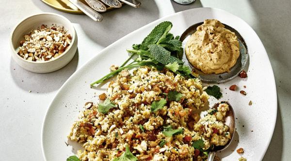 Image of Couscous mit Hühnchen und Dattel-Curry Dip Rezept