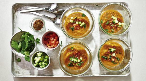 Image of Gazpacho mit Tomaten & Kräutern Rezept