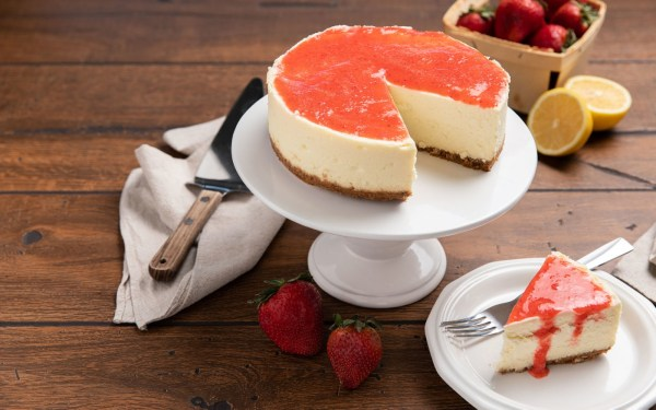 Image ofCheesecake with Strawberry Sauce