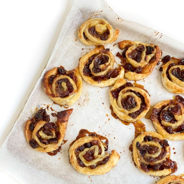 Image of Spiced Fruit Mince Scrolls