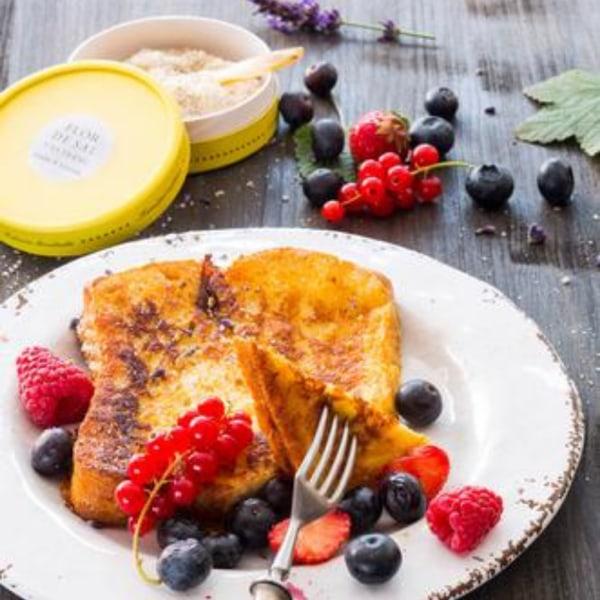 Image ofFrench Toast mit Sommerbeeren