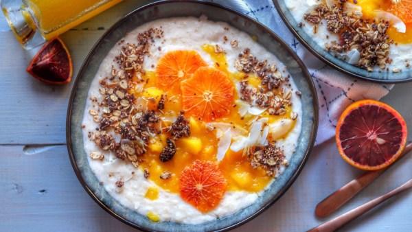 Porridge Rezept: Reisflocken mit Mango und Blutorange