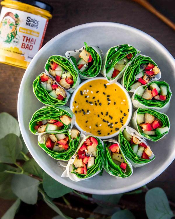 Image of Sommerrollen mit angebratener Aubergine, Paprika und Thai Bao Sauce für Gemüse