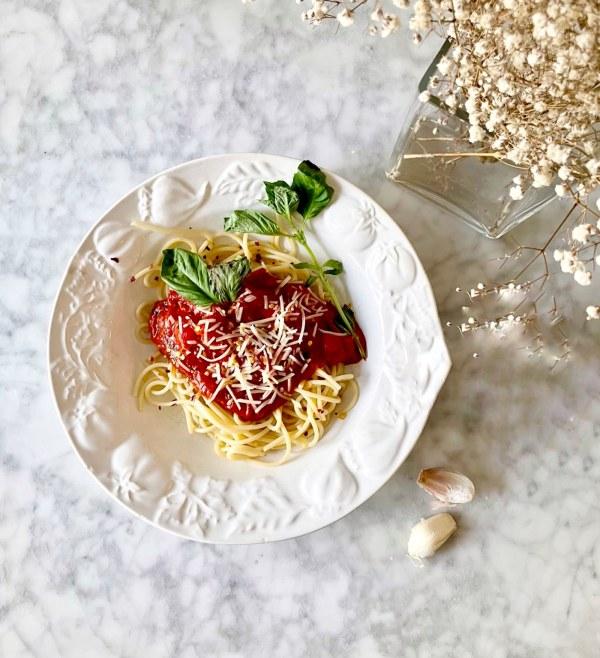 Image ofFresh Pasta Sauce with Spaghetti